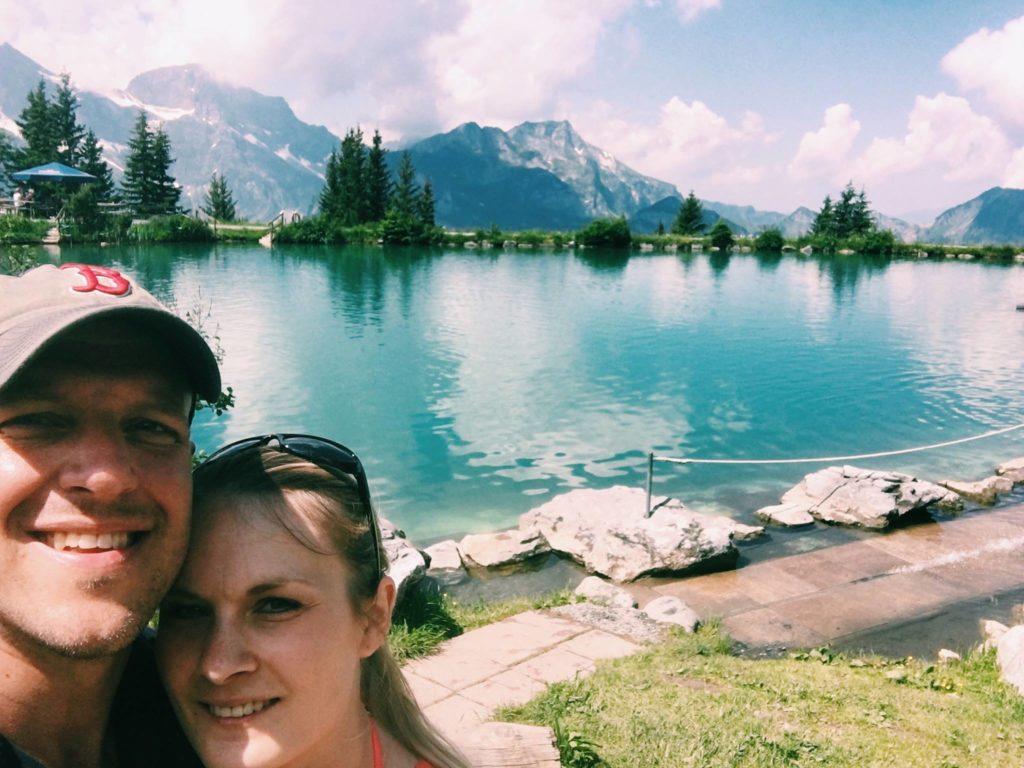 Wir beim Wandern in der Schweiz
